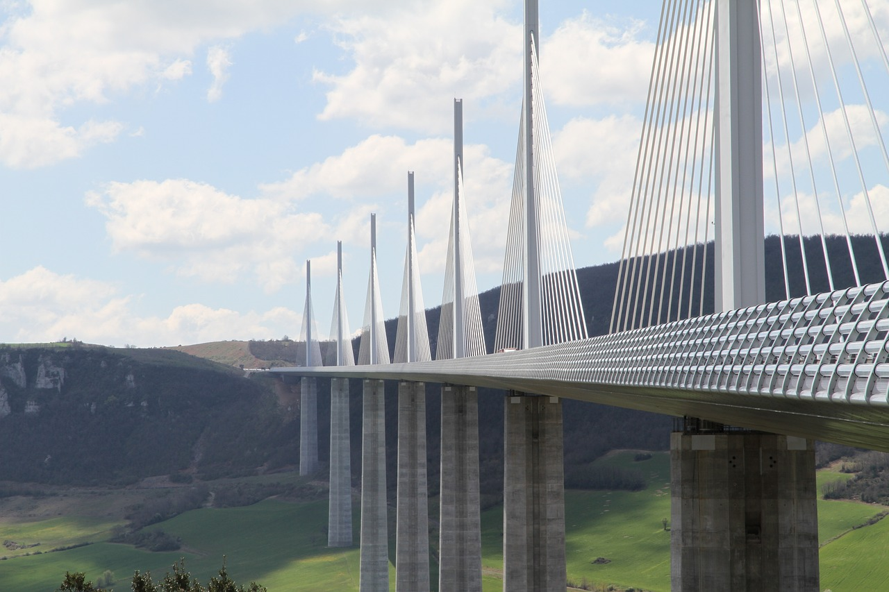 Millau_viaduct_facts_stats