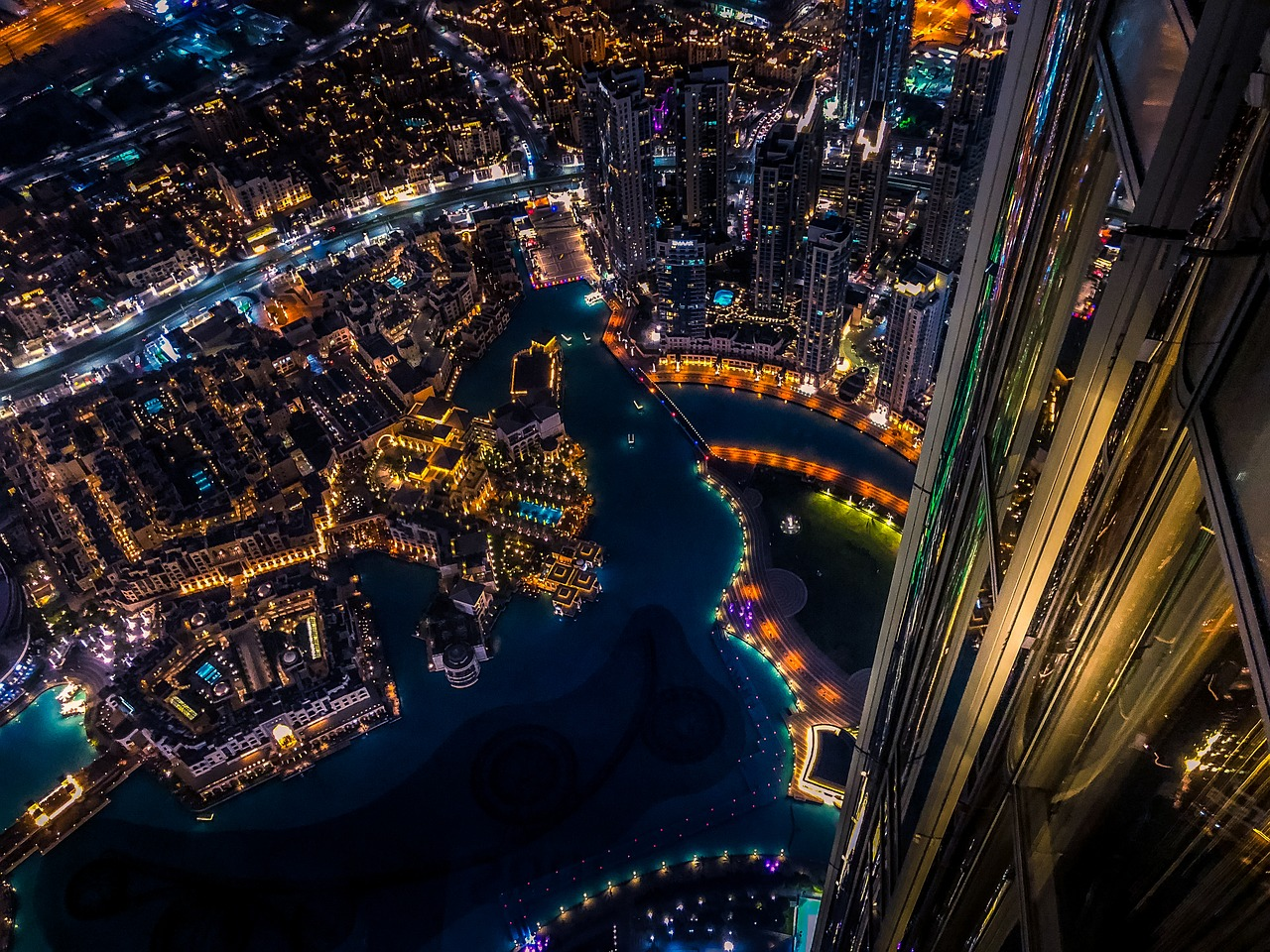 Top-Down-view-Burj_Khalifa